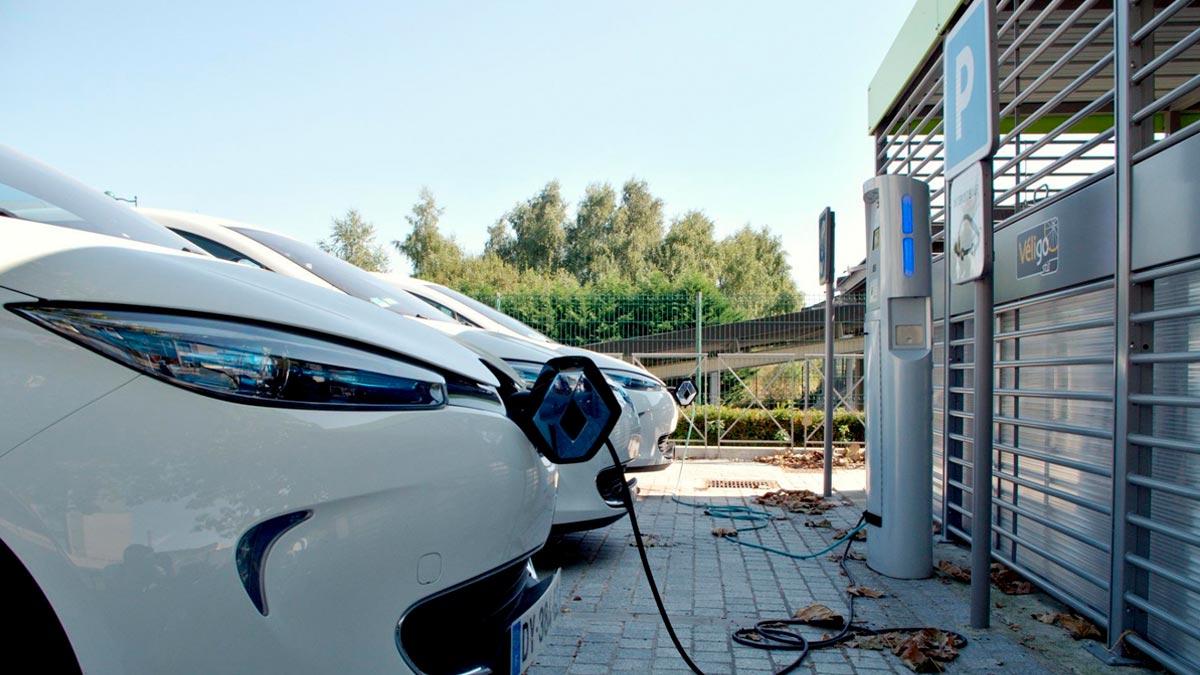 Plan Moves III: las claves de las ayudas de hasta 7.000 € para comprar coches eléctricos